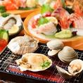 単品でも北海道の名物が堪能できます!鮭のちゃんちゃん焼き風や北海道産じゃが芋チーズ焼きなど手軽に北海道気分が味わえます!おススメは帯広名物豚丼。甘じょっぱいタレと程よく脂ののった豚肉が、ご飯と程よくマッチ。〆に食べたい一品です。