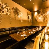 【7名~12名様飲み会,宴会向け】片側ソファ掛けのテーブル席です。お勤め先の飲み会や女子会におすすのお席。