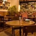 ゆったり座れるテーブル席は女子会や仲間同士の飲み会に最適♪この時期の新年会でも是非ご利用ください!!予算やお料理の内容等、お気軽にご相談ください。