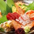 アラカルトメニューも豊富!単品でも北海道料理が堪能できます。生産者のみなさまが心をこめたこだわりの産直素材を使用◎新鮮なお造りや鮭のちゃんちゃん焼き風や北海道産じゃが芋チーズ焼きなどお手ごろ価格で北海道気分が味わえます!