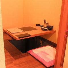 少人数でもOKも掘りごたつ式個室も完備しております。