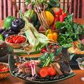 新鮮な野菜を使用し、彩鮮やかに盛り付けたメニューは写真映えすること間違いなし!また、女性に嬉しい野菜を中心としたメニューも種類豊富にご用意しております。更に!お得な3時間飲み放題付女子会コースも!新橋での女子会では当店をご利用ください♪