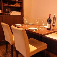 2名テーブルは移動も自由にできますので、4名様~8名様などのお客様でもご利用いただきやすくなっております!