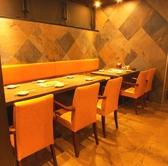 広々とした明るい雰囲気のテーブル席は8名~10名様でご利用可能。打ち上げやお誕生日パーティーや合コンなどに最適です!また、単品飲み放題プランを多数ご用意☆もちろん宴会プランも多く取り揃えておりますので、渋谷の居酒屋は土間土間 渋谷文化村通り109前店で決まり♪♪【渋谷 居酒屋 個室 焼き鳥 和食 飲み放題】