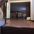 【道順3】そうしますと階段の先に素敵な入口を発見!