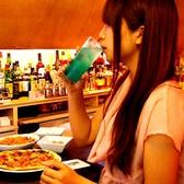 女性1人でも入りやすい♪お友達同士でもぜひ。お酒はもちろん、小腹がすいた時には食事としても食べたくなるメニューも充実。大人な時間を…。
