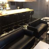 ゆったり寛げるソファ席!1席最大6名様、繋げて最大12名様までご利用可能です♪