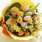 【サプライズで花束を】 誕生日や記念日には、プレゼント用の花束購入を代行いたします☆お気軽にお問合せください♪(3240円/要予約) 他にも主役も喜ぶメッセージ付ホールケーキをご用意。12cm(2~4名様が目安です)と15cm(5~10名様が目安です)の二種類からお選びください♪ ※写真は一例です。