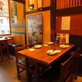 オーソドックスな4人掛けテーブル席です。沖縄本場のご当地料理をお楽しみください