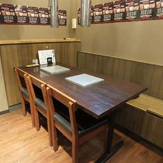 テーブル6名席「ホルモン太一亀有店」