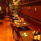 テーブル席は会社宴会にも最適です。お席のアレンジはお気軽にお問い合わせください。