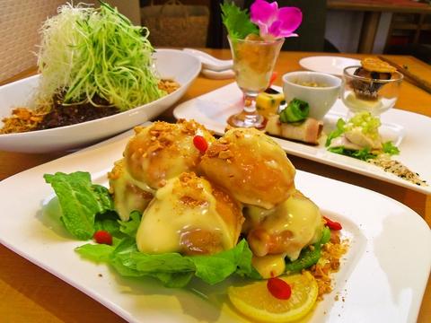 明るく癒される空間。台湾で修業を積んだシェフによる野菜たっぷりの体に優しい中華。