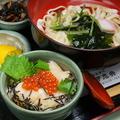 料理メニュー写真ほたて・いくら丼&きしめん(温・冷)