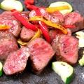 料理メニュー写真県産黒毛和牛・三角肉のステーキ