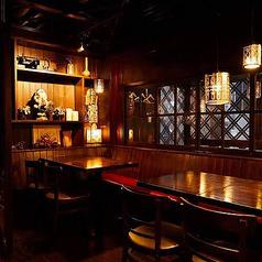 個室スペースは通常4名がけのテーブルに分かれてご利用可能です。