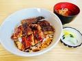 料理メニュー写真うな丼(並)、うな丼(上)