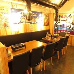 ゆったり25席の店内のテーブル席は可動式で、調整可能です!ちょっとした飲み会から会社宴会まで、幅広くご利用いただけます!浜焼きを囲んで思い出に残る宴会になること間違いなし★女子会にも◎なコースお料理もご用意しております!