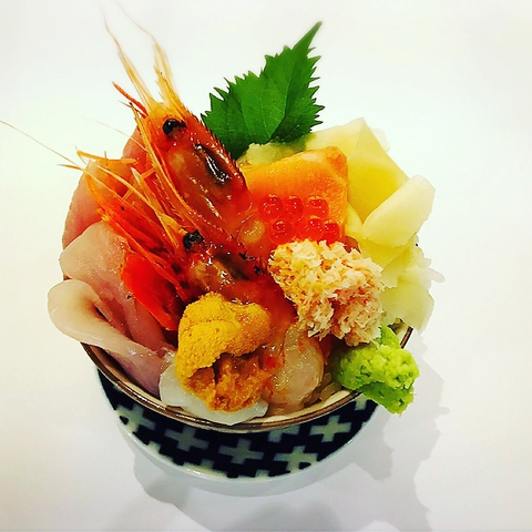鮮魚 店 シハチ