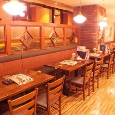広々としたテーブル席なら、仕事終わりのちょい飲みなど気軽にご利用頂けます。宴会に最適な広めの個室もご用意しております!大塚にお越しの際はぜひ当店にお立ち寄りください!直送鮮魚の刺身や贅沢肉厚のカニ料理など、北海道の旬の味をたっぷりご堪能いただけます。