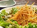 料理メニュー写真若鶏とスナックゴボウのサラダ