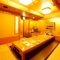 接待などの失敗できない大事なシーンにもご利用いただける、和の落ち着いた雰囲気の6~10名用の個室です。