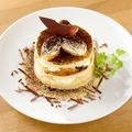 料理メニュー写真ティラミスのパンケーキ