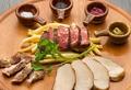 料理メニュー写真熟成肉の3種盛り合わせ