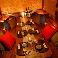 ゆったり完全個室のお席はフレキシブルに対応可能です。小規模から大規模のご宴会でも個室にてご案内できます。こころよりお待ちしております。