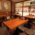 【新橋店】4名様用のテーブル席は少人数のご宴会にぴったり!ワイワイ盛り上がってください★