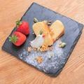 料理メニュー写真燻製チーズケーキ ※盛付一例