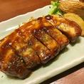 名物の「ローストジンジャーポーク」は肉厚で柔らかい!ぜひご注文いただきたい一品です!