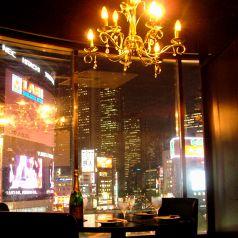 【人気】夜景とシャンデリア個室は予約必須♪