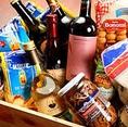 """【イタリアから仕入れる""""本場の食材"""" 】イタリアンには欠かせない「イタリア本土の本場の食材」これにもSergioではこだわってご用意。イタリアの旬の食材や長年の歴史から創られる本物の""""パスタ""""や""""チーズ""""""""調味料""""まで 厳選してご用意しています。"""