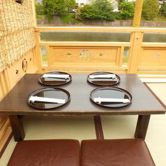 《5月~9月・鴨川納涼席》5月はランチでも納涼席をご利用頂けます。鴨川を間近で望みながら、季節感溢れる京懐石を堪能。