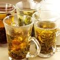 中国茶は健康にもよく、おいしい。コンビニなどで人気のジャスミン茶も実は中国茶。ふわっと花咲く本格的な茶葉を使用します♪