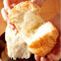 【焼きたてふわっふわの自家製イギリスパン 480円~】