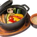 料理メニュー写真アボカドと野菜のオーブン焼きバーニャカウダ