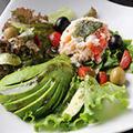 料理メニュー写真蟹とアボガドのサラダ