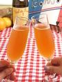 料理メニュー写真★ガレット&クレープの楽しみ方★1.初めに、リンゴのお酒シードルで乾杯♪食欲も味覚も刺激されます!