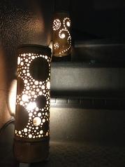竹の灯籠が目印!