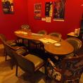 4~8名様用のテーブル席。