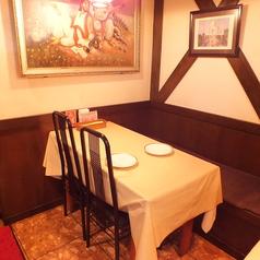 4名テーブル