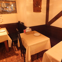 2名テーブル