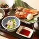 お昼には人気の魚料理をお手頃価格でご提供しております