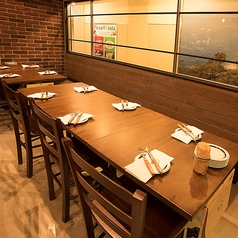 テーブル席 4~8名様席