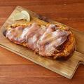 料理メニュー写真肉バル ナンピザ