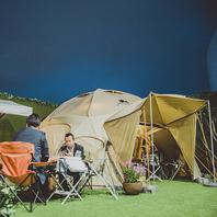 """THE CAMPシンボル天高3mの特大ロゴス製テント""""デカゴン"""