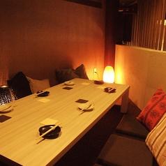 焼き鳥Dining YUTORI ユトリ 今池店の雰囲気1