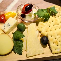 料理メニュー写真ALL¥500均一★本日のチーズ盛り合わせ