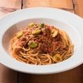 【新宿】ラパウザは気軽に入れるイタリアンレストランです。自慢のピッツァは高温窯で焼き上げおりますので、イタリアの味を楽しめます。上質なパスタ、チーズにオリーブオイル、イタリア直輸入のトマトを使ったソースなど、本場の素材を味わえます。パーティーコースは、リーズナブルな価格でご利用いただけます。